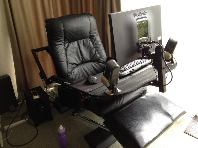 Un sill n con mesa para pc incorporada un todo en uno - Sillon para leer ...