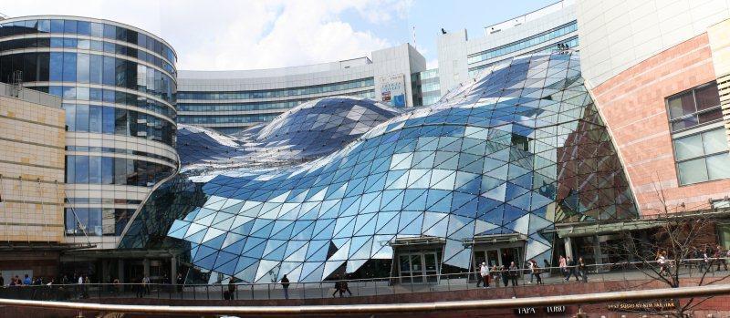 Centro comercial Zlote Tarasy, Varsovia, Polonia