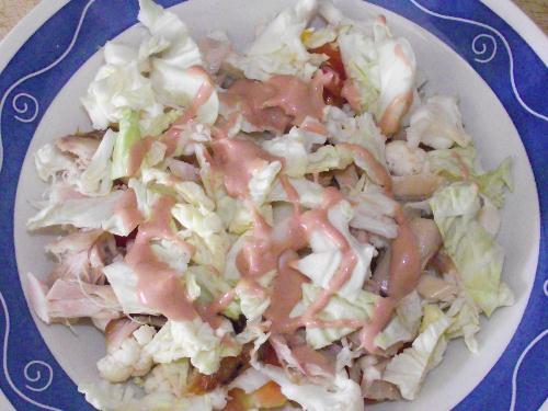 Cómo hacer una ensalada de salsa rosa