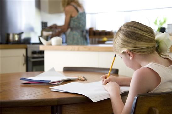 Cómo organizarle los deberes