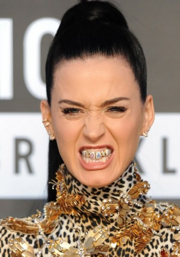 big_katy-perry-roar-grillz-mtv-vma-2013-718x1024