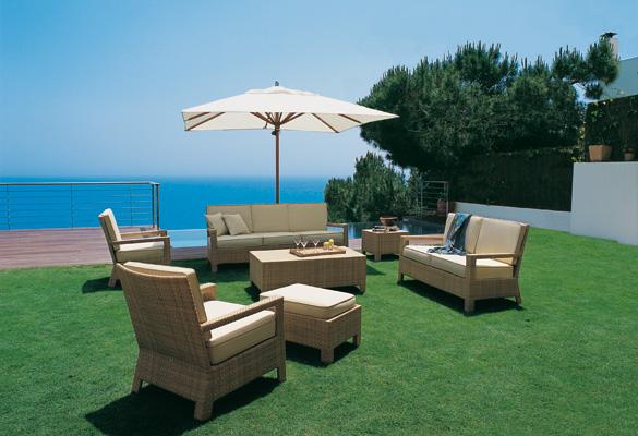 4 tips para proteger los muebles de madera de exterior -
