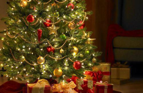 Decoraciones imprescindibles en tu árbol de Navidad