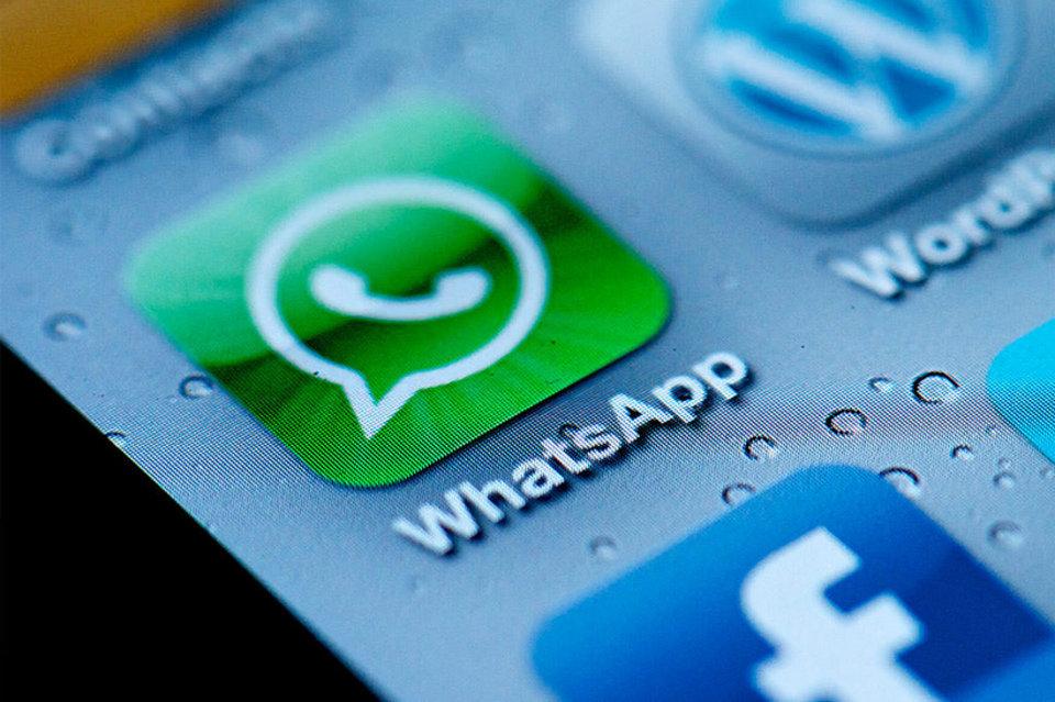 La-aplicacion-Whatsapp-en-un-t_54390714514_54028874188_960_639