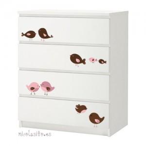 Customizar un mueble de ikea for Vinilos muebles infantiles
