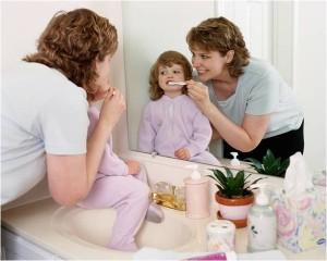 La rutina para los dientes en los niños