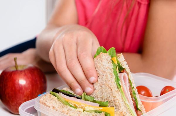 Consejos para los alimentos de media mañana de los niños